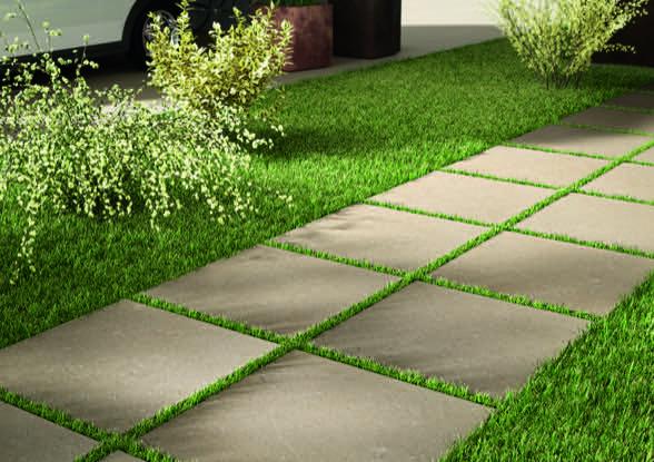 Foto Eines Gehbereichs Mit Anwendungsbeispiel Von Feinsteinzeug 20mm Terrassenplatten Quadratisches Format
